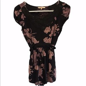 RW&Co Black flowered print with crocheted lace S